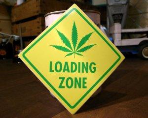 画像1: ステッカー/シール ローディングゾーン Loading Zone(ヘンプ積み荷降ろし場所)