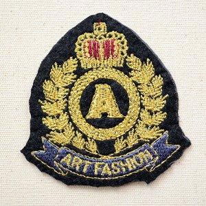 画像1: エンブレムワッペン Art Fashion アートファッション (S) タテ6.7cm×ヨコ6.6cm